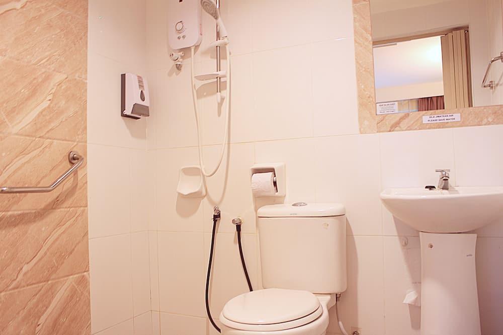 Perushuone kolmelle, 1 makuuhuone - Kylpyhuone
