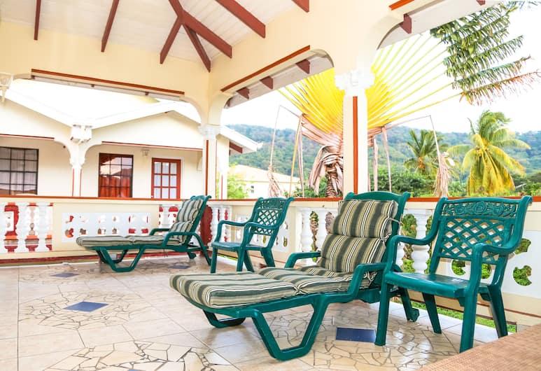 Hotel Carriacou - Laurena, Hillsborough, Terrace/Patio
