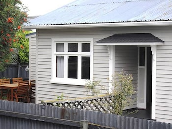 Picture of Christchurch City & Country Cottages - Clarence Cottage in Christchurch