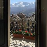 Pokój dwuosobowy typu Superior, 1 sypialnia, widok na góry - Balkon