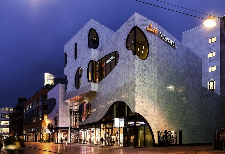 Novotel Suites Den Haag City Centre, La Haye, Façade de l'hôtel - Soir/Nuit