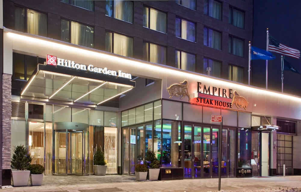 Book Hilton Garden Inn New York Central Park South Midtown West In Hotels