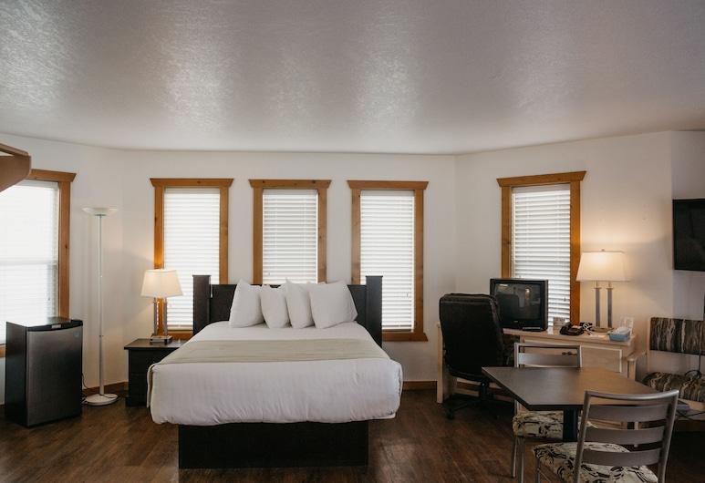 Golden Village Lodge, Golden, Pokój standardowy, Łóżko king, Pokój