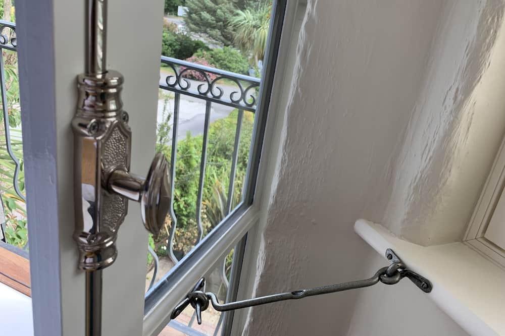 Deluxe Suite, Ensuite, Garden View (High Five ) - Balcony View