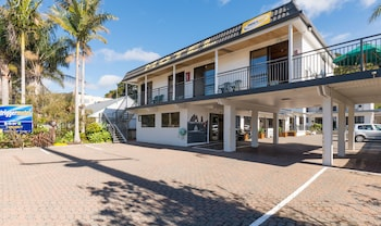 Picture of Outrigger Motel in Paihia