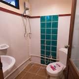 Deluxe Room (Aircon) - Bathroom