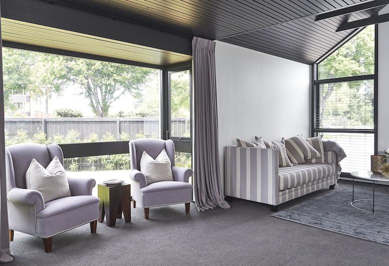 Hotel Carlton Mill, Christchurch, Căn hộ Deluxe, 3 phòng ngủ, Phòng khách