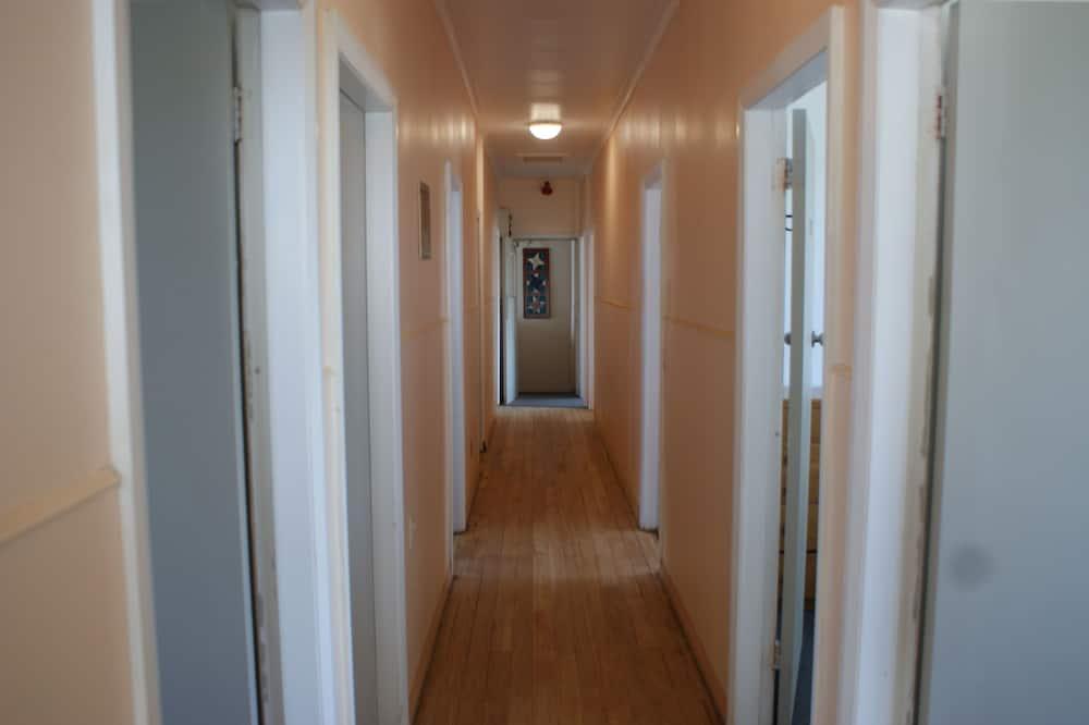 חדר סטנדרט, מיטה זוגית, חדר רחצה משותף - חדר רחצה