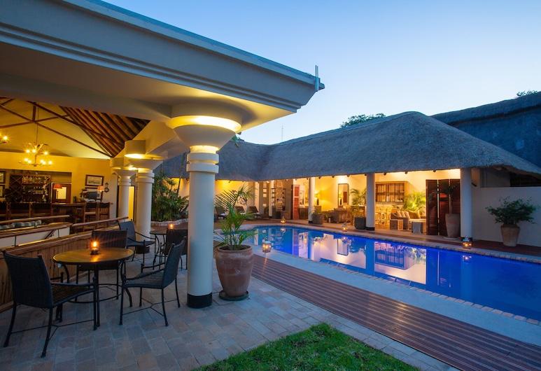 Ilala Lodge Hotel, Thị trấn Victoria Falls, Hồ bơi ngoài trời