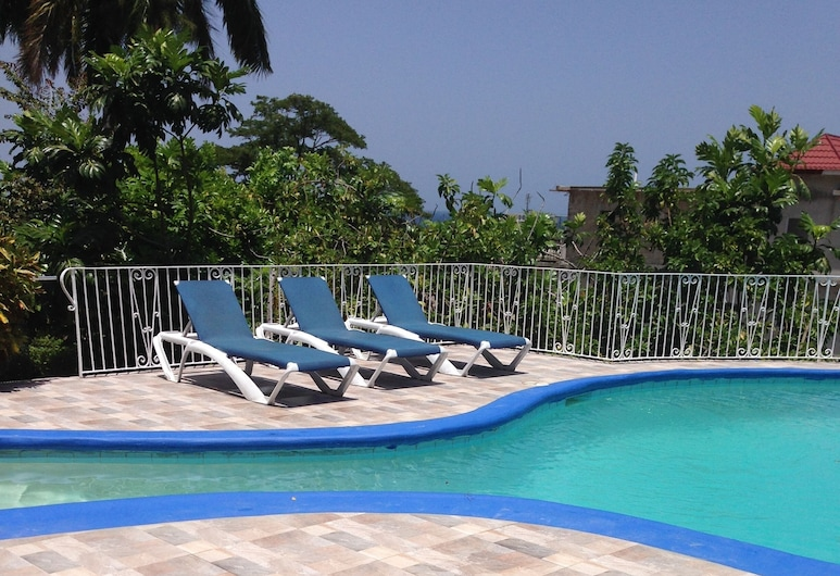 Palm View Guesthouse and Conference Centre, Montego Bay, Utendørsbasseng