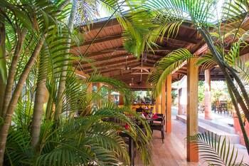 Foto Sunrise Club Hotel Restaurant & Bar di Negril