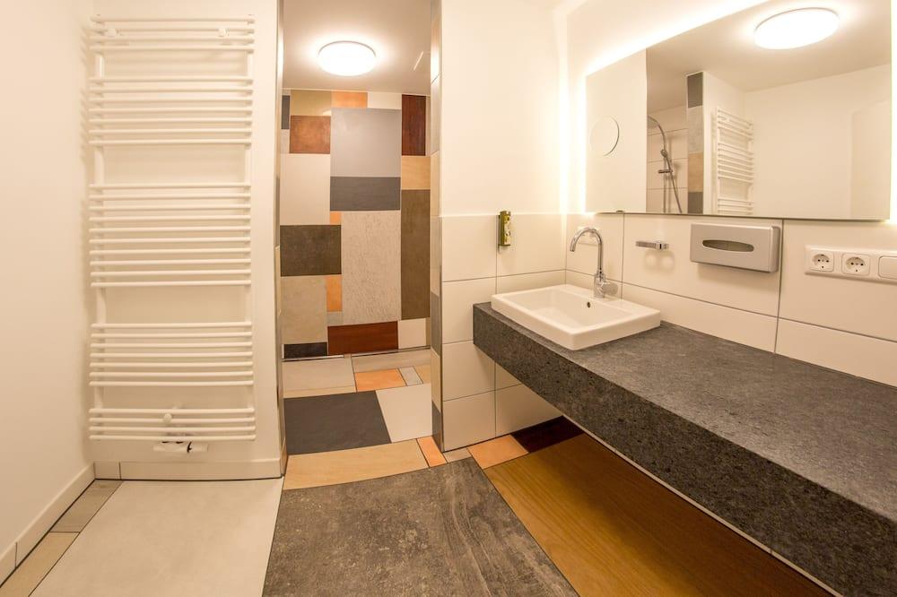 Family Apartment, 2 Bedrooms - Bathroom