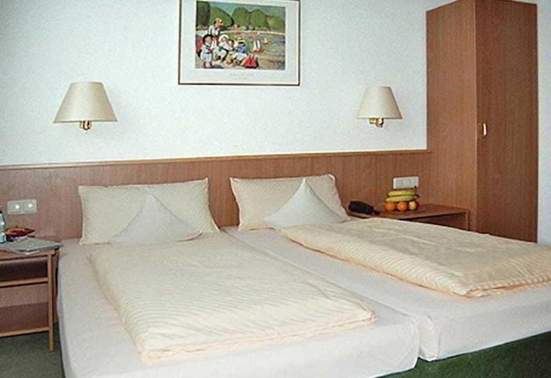 Hesse, Aachen, Guest Room