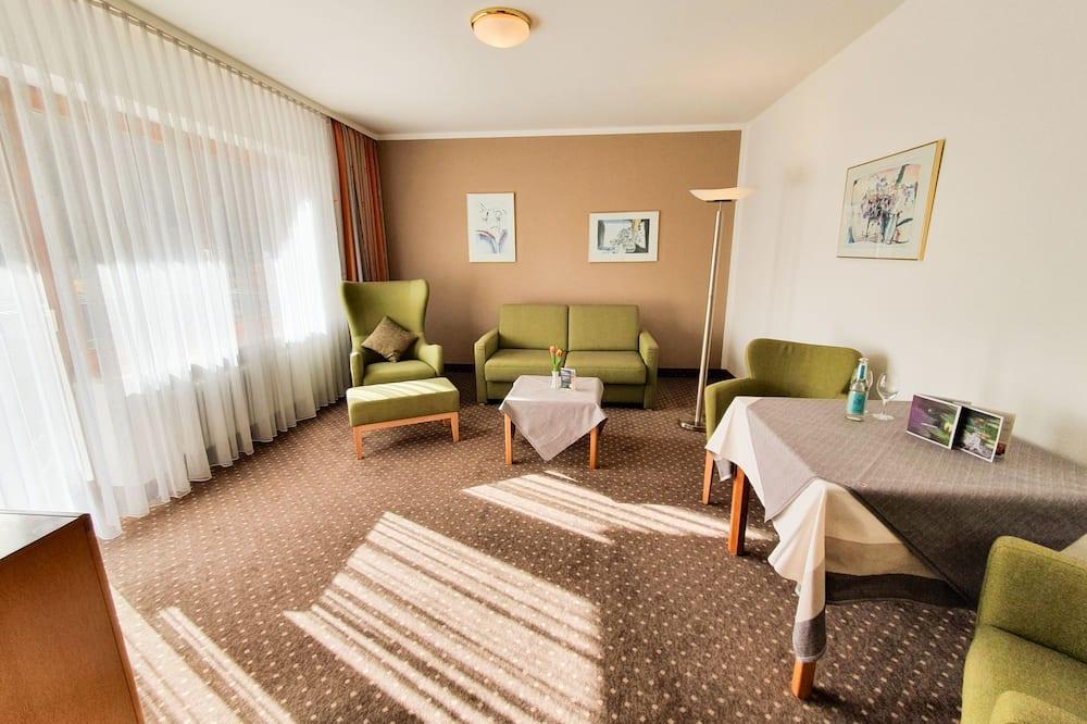 Junior Suite, 1 Bedroom, Balcony, Valley View - Living Area