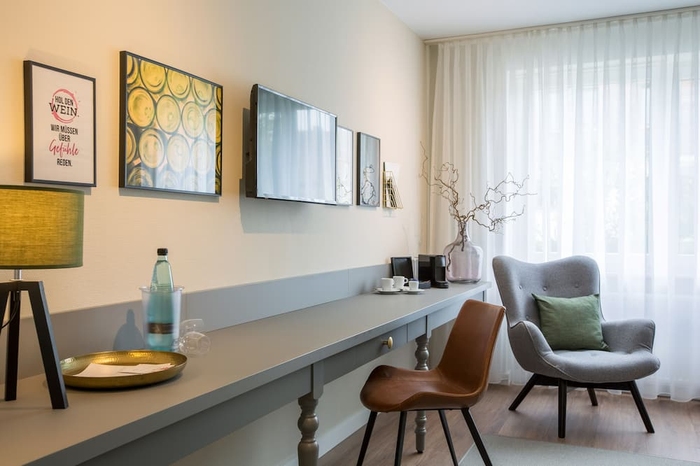 Double Room (Ortswein) - Living Area