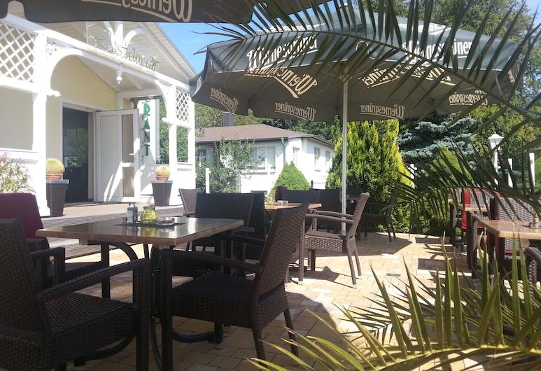 Wald-Hotel Sellin, Sellin, Terrasse/Patio
