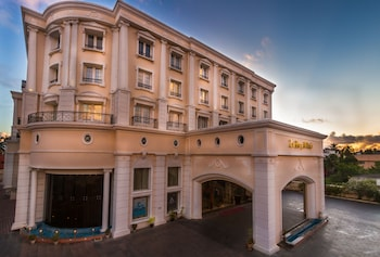 Pondicherry bölgesindeki Hotel Le Royal Park resmi