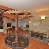 Panoramic Villa, Multiple Bedrooms, Private Pool (Villa Camaiore) - Living Area
