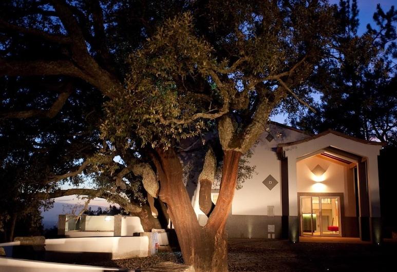 Vilafoîa AL, Monchique, Fachada do Hotel - Tarde/Noite