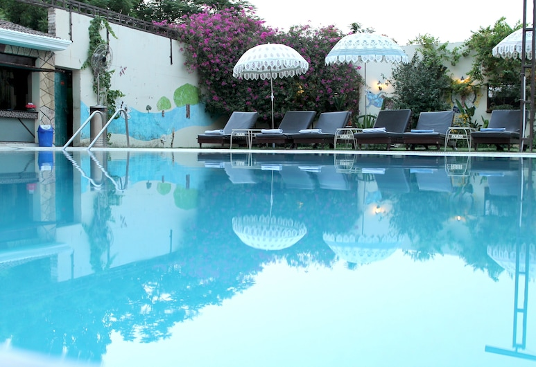 Hotel Surya, Varanasi, Hồ bơi