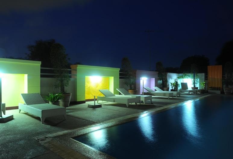 Angket Hip Residence, Pattaya, Hồ bơi ngoài trời