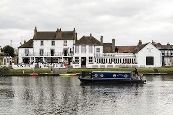 Slika: The Swan Hotel ‒ Staines