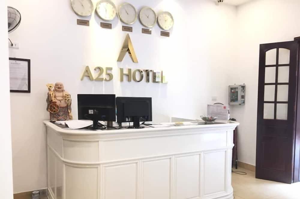 A25 Hostel