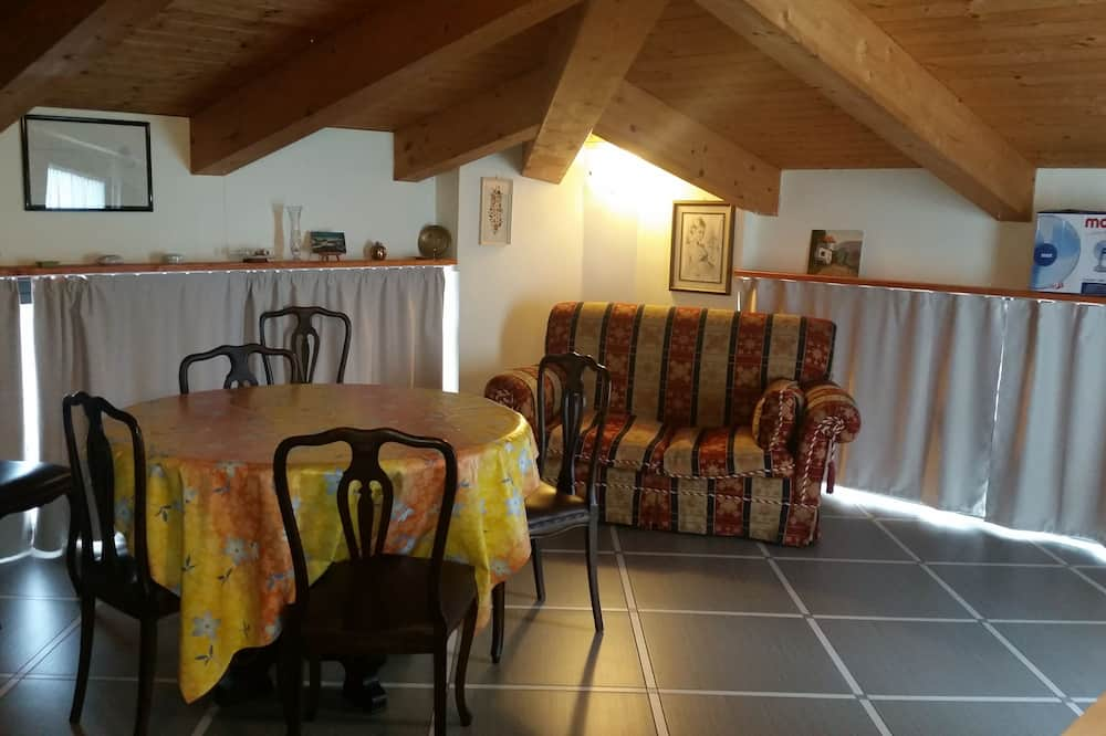 Comfortable Attic With Parking Space in Chiavari