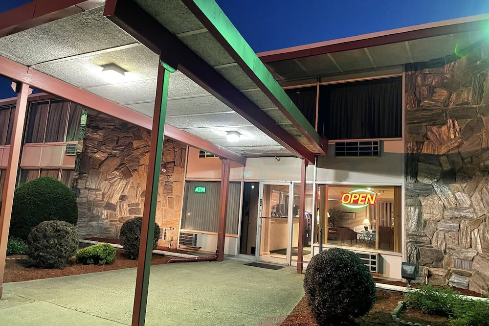 The Wayne Inn