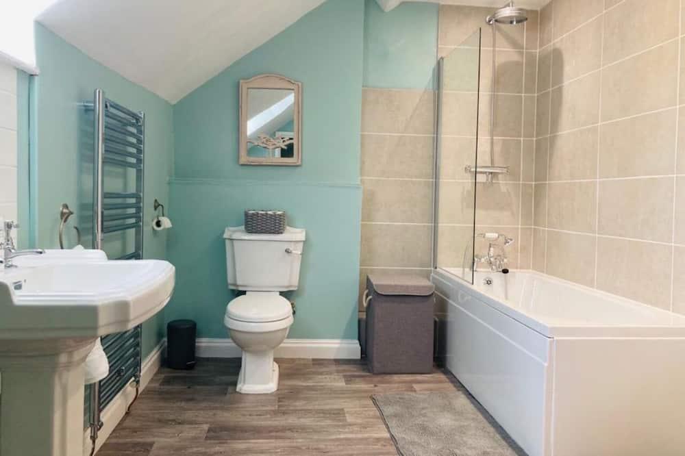 Casa Familiar, Casa de Banho Privativa - Casa de banho