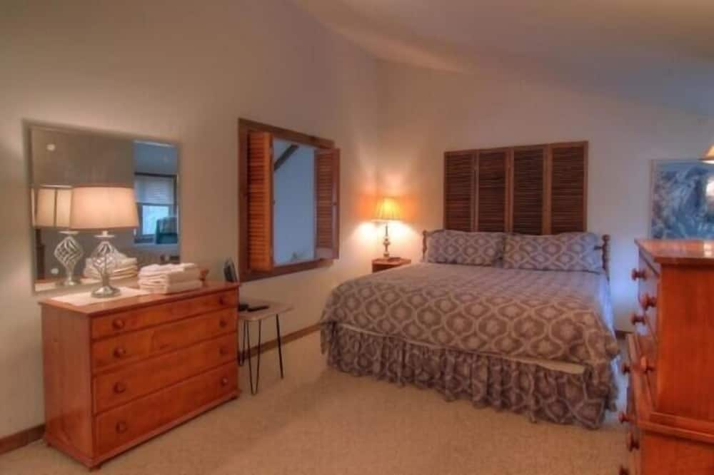 Townhome, 4 Bedrooms - Guest Room