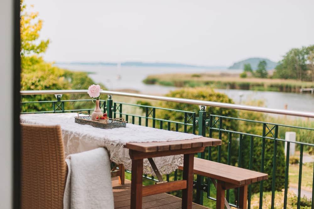 Apartament romantyczny, z łazienką, widok na jezioro (Landhaus Rügen OG) - Zdjęcie opisywane