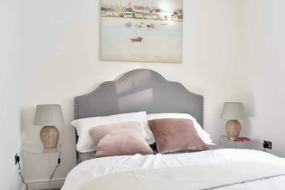 Basic-lejlighed - flere senge - Værelse