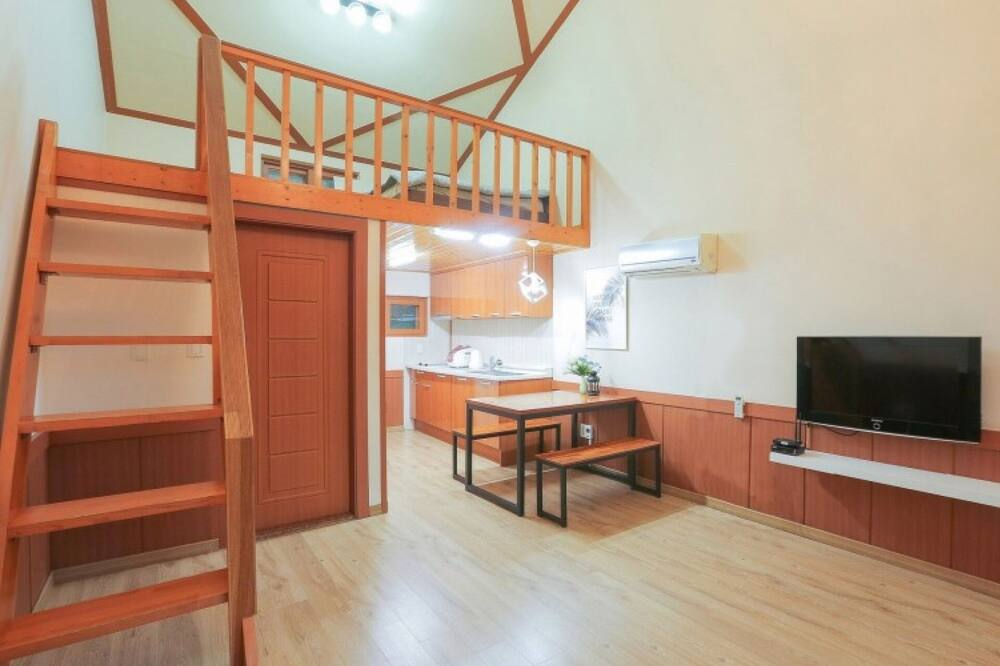 Chambre (Room 101 (Duplex Family Group Room)) - Chambre