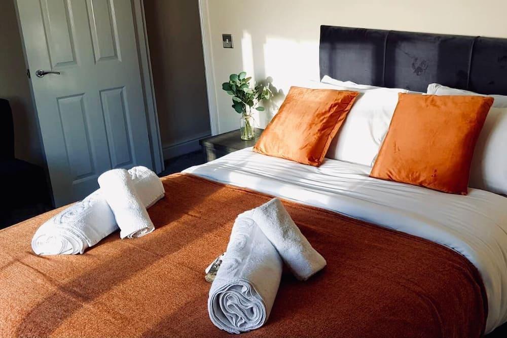 Deluxe Apartment, 3 Bedrooms, Beach View - Room