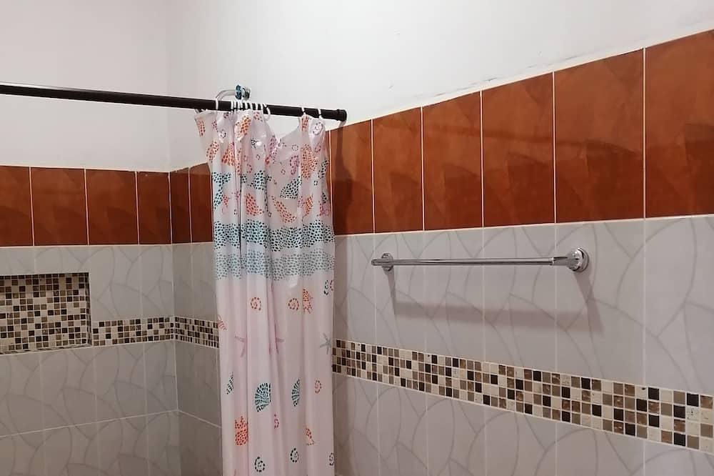Basic-Zimmer - Badezimmer