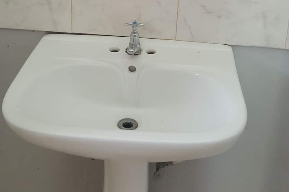 Hus - flere senge - Badeværelse