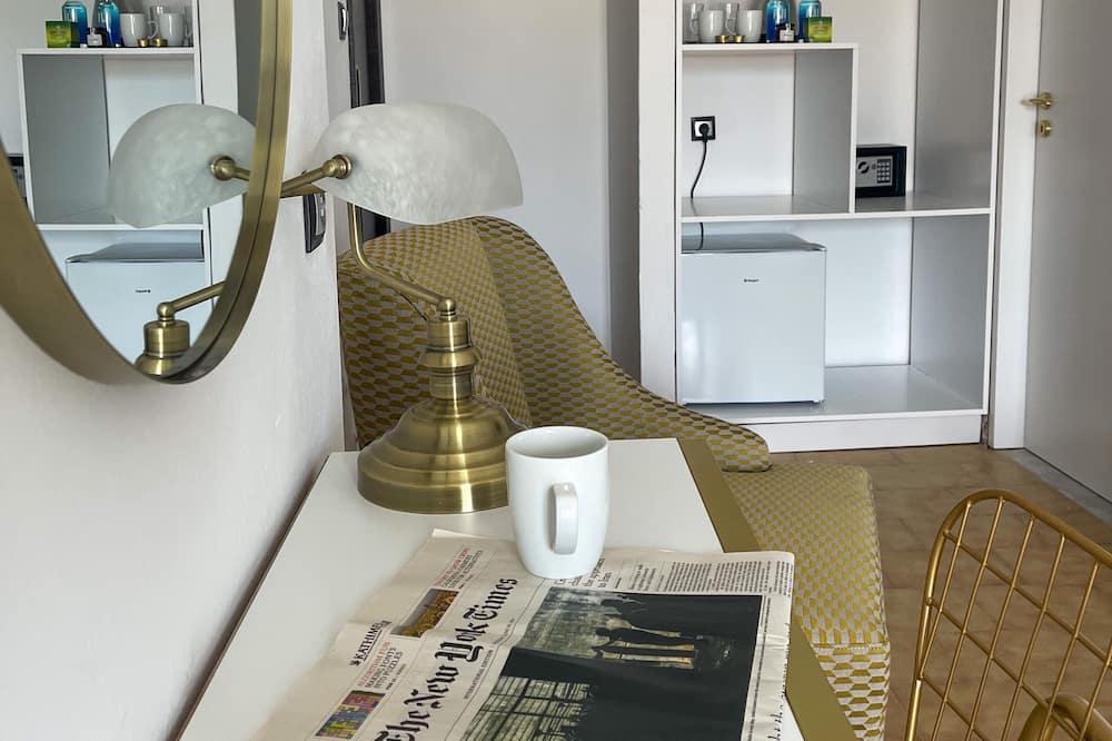 Suite Studio Supérieure, balcon, vue mer - Coin séjour