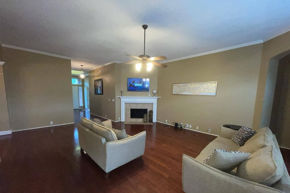 Cozy 4  Bedroom HHome Located in Humble,Texas