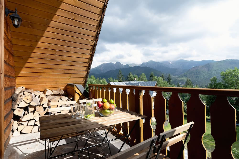 Studija, balkonas, prie kalno - Balkonas