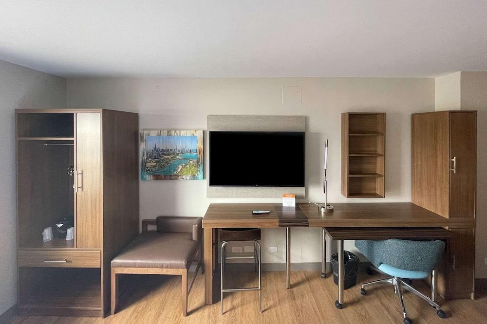 Люкс, 1 двуспальная кровать «Кинг-сайз», для некурящих (Efficiency) - Номер