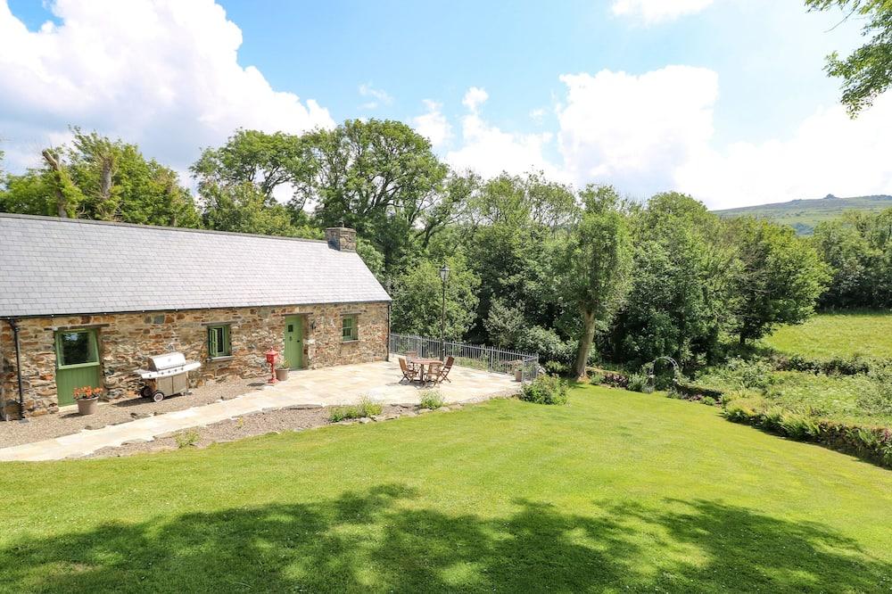 Trewrach Cottage, Newport