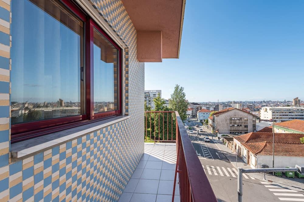 Апартаменты базового типа, Несколько кроватей - Балкон