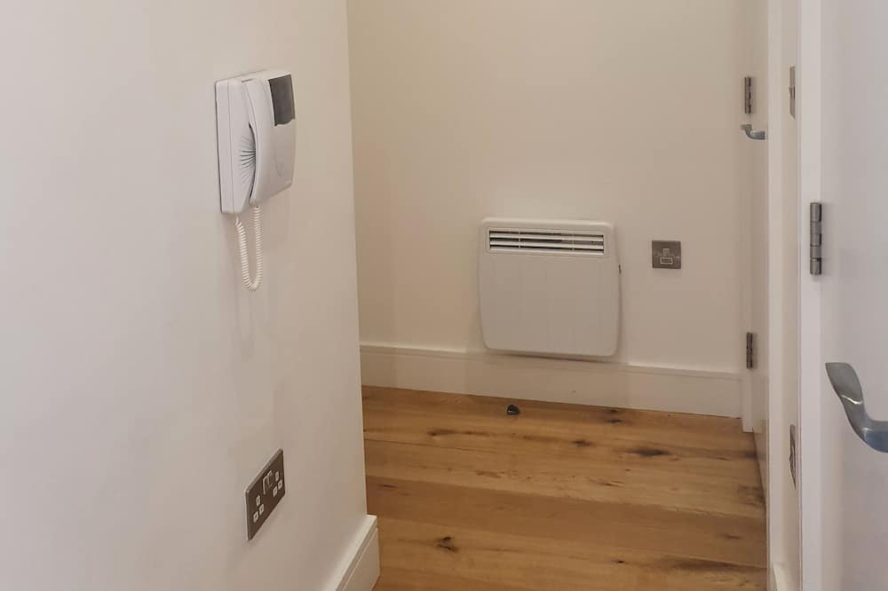 Apartment, 1 Queen Bed - Room