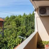Апартаменти (Two Bedroom Apartment with Balcony) - Балкон