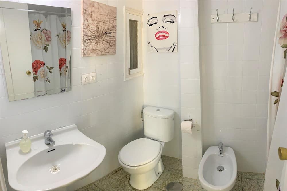 Leilighet – design, privat bad, utsikt mot byen (3 bedrooms-(E3EV)) - Bad