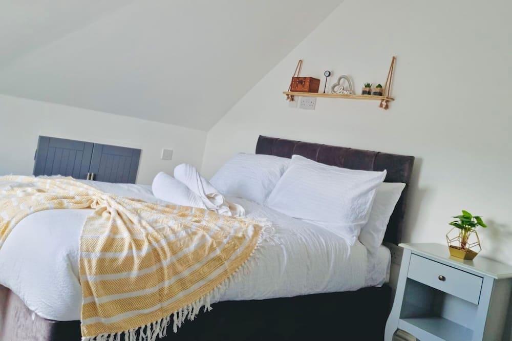 3 Bedroom Apartment Near Birmingham Airport