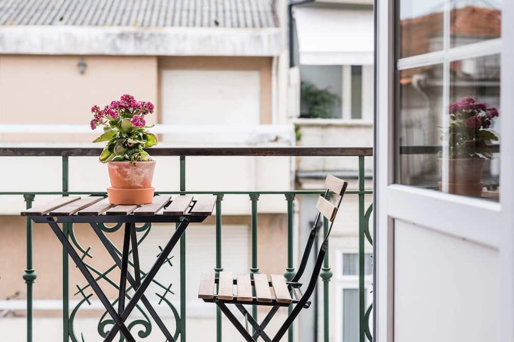 Pamatklases dzīvokļnumurs, 1 divguļamā gulta un dīvāngulta - Balkons