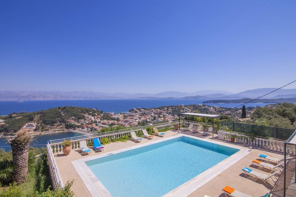 Villa Agathi with amazing view and pool
