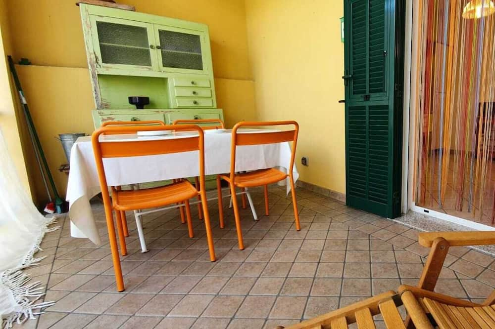 Apartamentai, 1 didelė dvigulė lova - Balkonas
